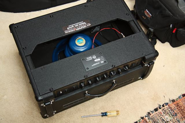 dan becker s guitars and music vox ac15cc amp modifications the back of the vox guitar amplifier